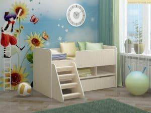 Детская кроватка Юниор-3 ЛДСП с лесенкой фото | интернет-магазин Складно