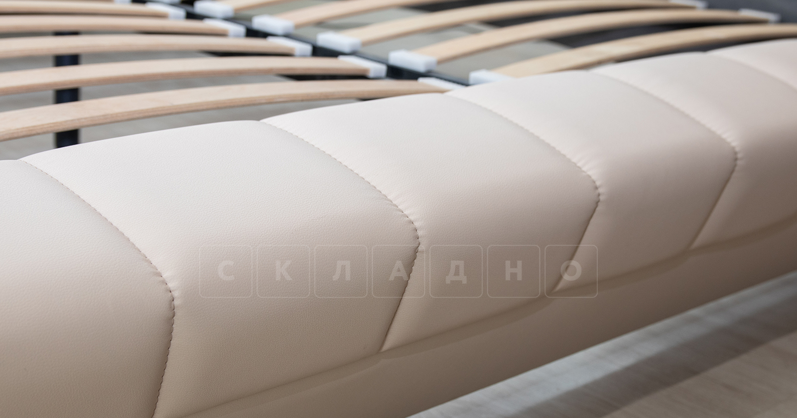 Мягкая кровать Оливия 160 см экокожа бежевый фото 9 | интернет-магазин Складно
