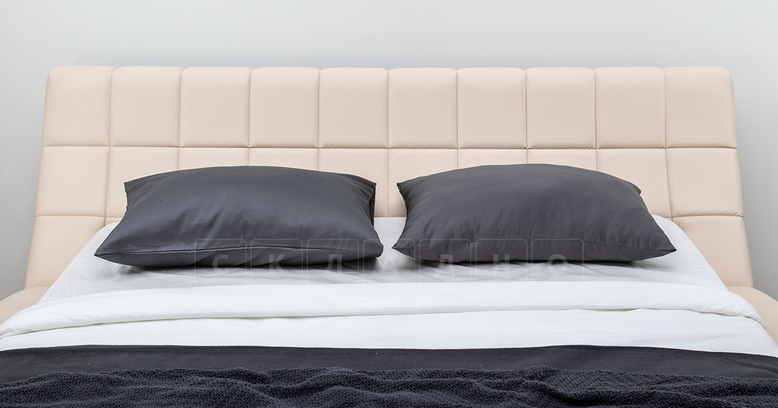 Мягкая кровать Оливия 160 см экокожа бежевый фото 14 | интернет-магазин Складно