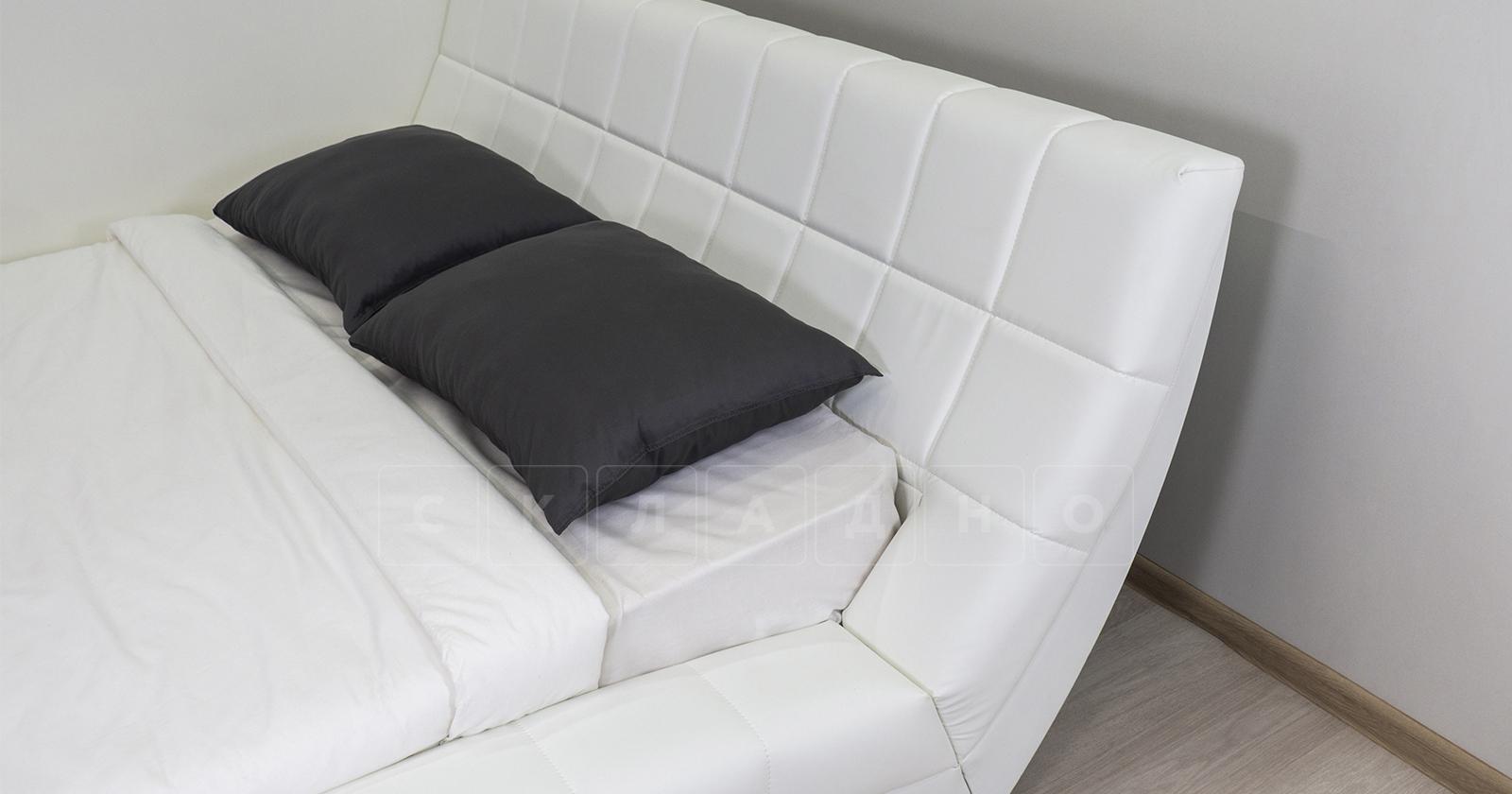 Мягкая кровать Оливия 160 см экокожа белый фото 9 | интернет-магазин Складно