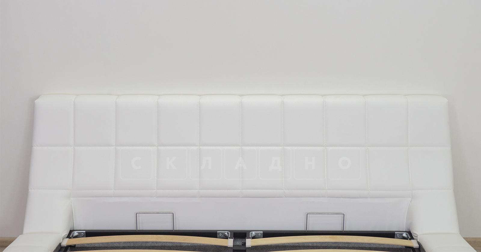 Мягкая кровать Оливия 160 см экокожа белый фото 4 | интернет-магазин Складно