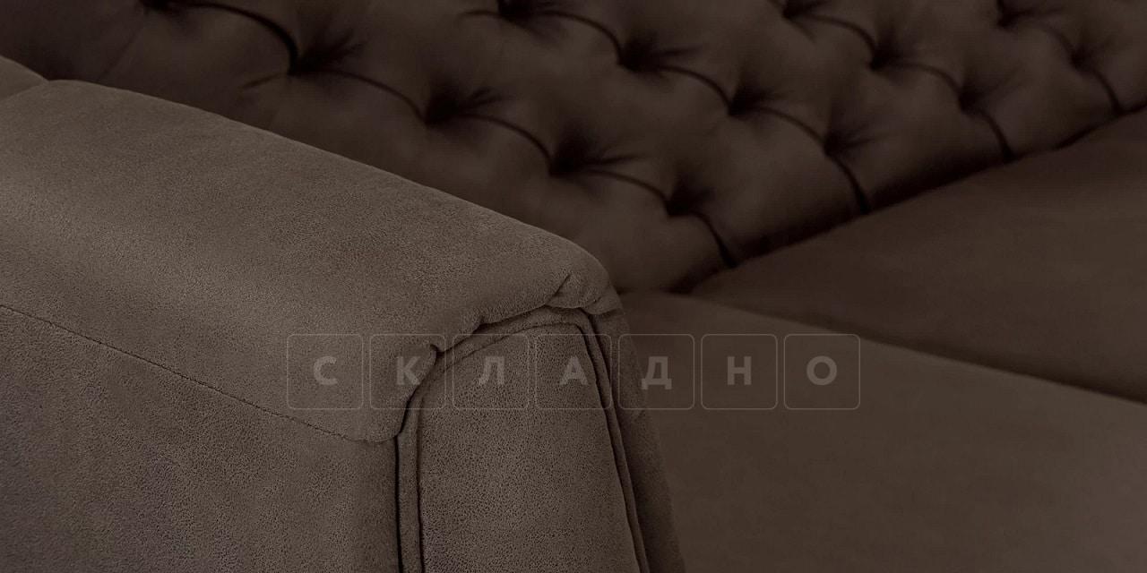 Диван прямой трехместный Честер на ножках коричневый фото 8 | интернет-магазин Складно