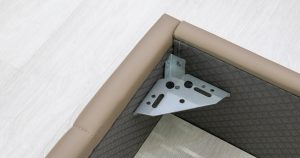 Мягкая кровать Хлоя 160 см капучино с подъемным механизмом 15950 рублей, фото 9 | интернет-магазин Складно