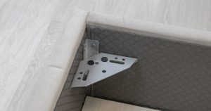 Мягкая кровать Милана 160 см светлый кварцевый серый с подъемным механизмом 24910 рублей, фото 11 | интернет-магазин Складно